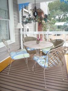 porch dining