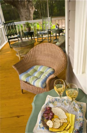 Scenic Outdoor Porch Dining at our Orlando Bed and Breakfast