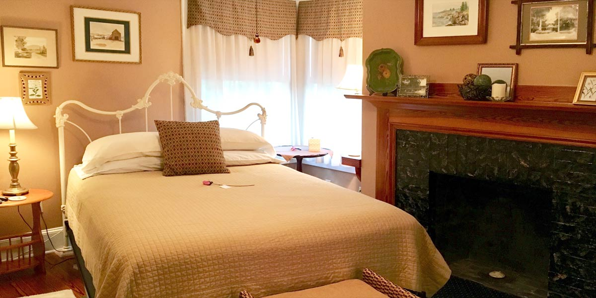 Thurston House guestroom
