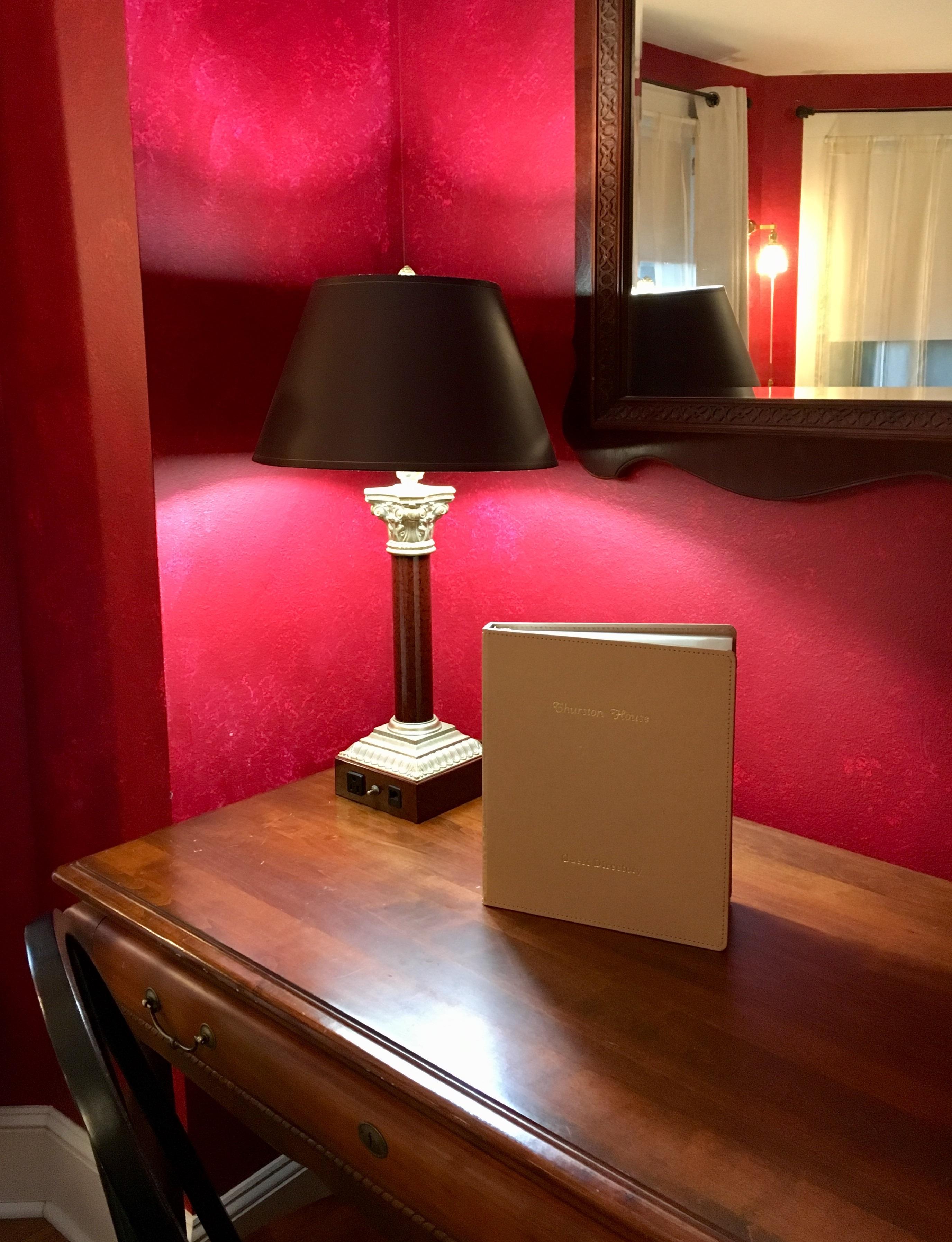 O'Heir room desk